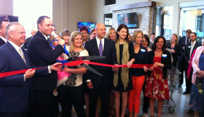 Hy-Vee-ribbon-cutting